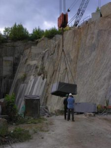 lifting_stone_from_quarry